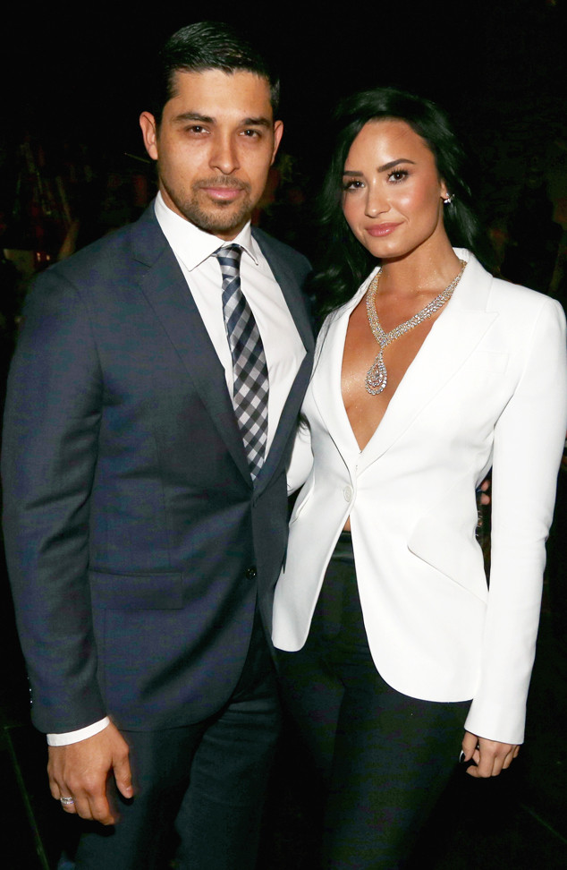 Wilmer Valderrama, Demi Lovato, 2016 Grammy Awards