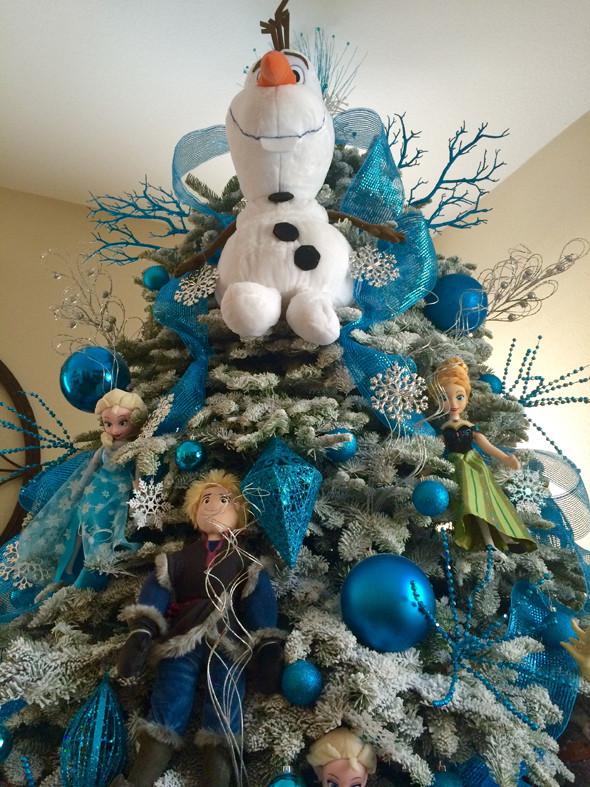 8 fabulosos rboles de navidad inspirados en pel culas - Arboles de navidad artificiales decorados ...