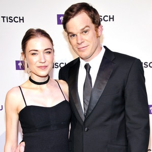Dexter Cast dating Dating en gift man vars hustru är gravid
