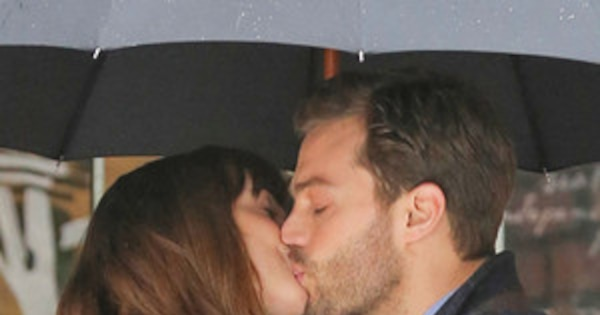 Action Dakota Johnson And Jamie Dornan Share A Hot Kiss -4526