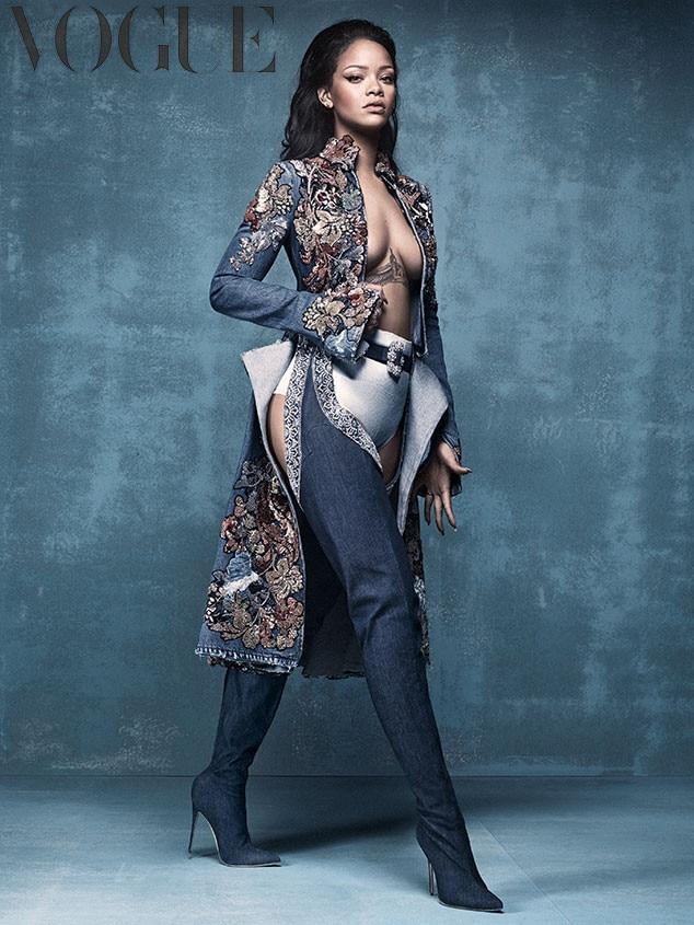 Rihanna super sexy