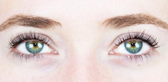ESC: Eyelash Extensions vs Eyelash Tinting