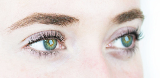 ESC: Eyelash Extensions vs Eyelash Tinting
