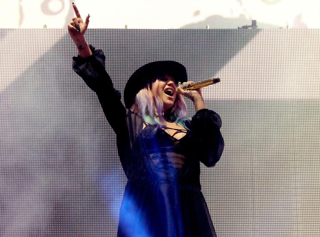 Coachella 2016, Kesha