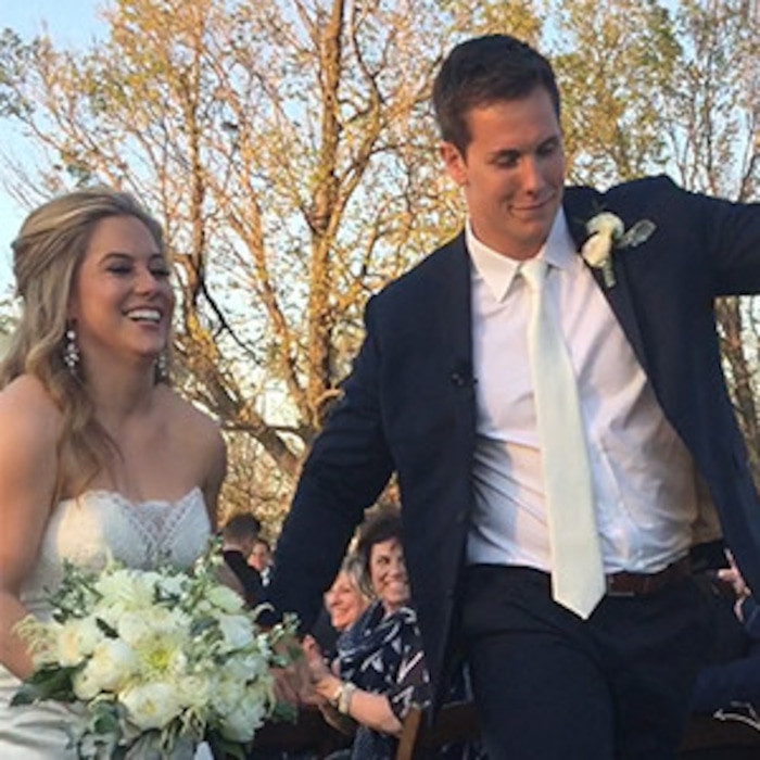 Shawn Johnson Wedding.Shawn Johnson Andrew East Are So Cute Walking Down The Aisle At