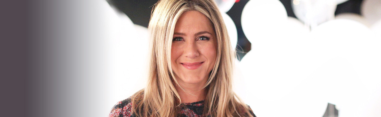 ESC: Jennifer Aniston, Landing LT