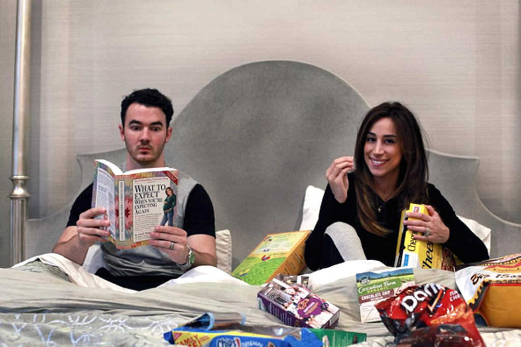 Kevin Jonas, Danielle Jonas, Instagram