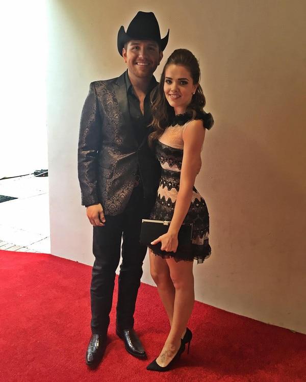 El Dasa, Thali Garcia, 2016 Billboard Latin Music Awards, Instagram