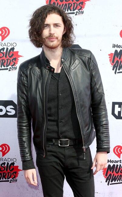 2016 iHeartRadio Music Awards, Hozier
