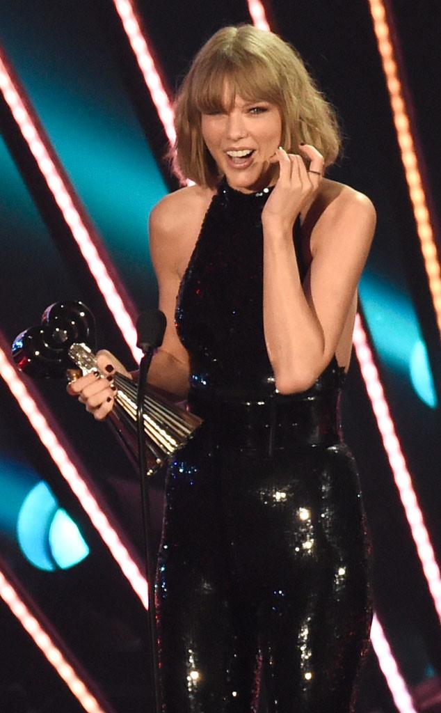 2016 iHeartRadio Music Awards, Taylor Swift, Winner