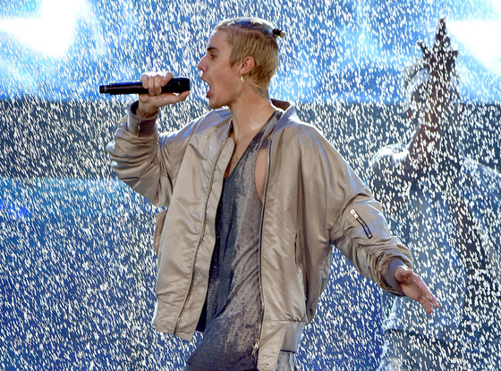 Go Ahead and Watch Justin Bieber Fall on Stage From 4 Different Angles