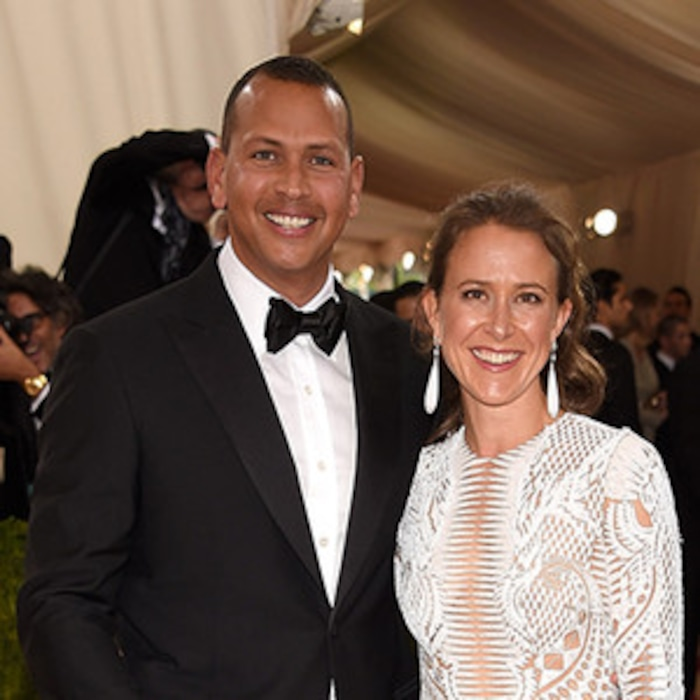 Anne Wojcickis Mom Says Alex Rodriguez Wasnt Smart Enough To Date