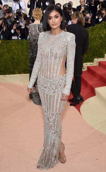 Kylie Jenner, MET Gala 2016, Arrivals, Red Carpet Fashions, Kardashian Met Gala Widget