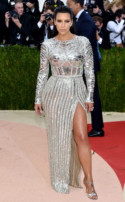 Kim Kardashian, MET Gala 2016, Arrivals, Red Carpet Fashions, Kardashian Met Gala Widget