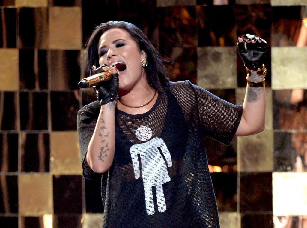 Demi Lovato, 2016 Billboard Music Awards, Show
