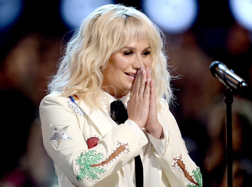 Kesha, 2016 BIllboard Music Awards, show