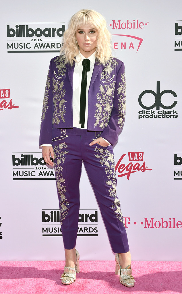 Kesha, 2016 Billboard Music Awards, Most Memorable Looks