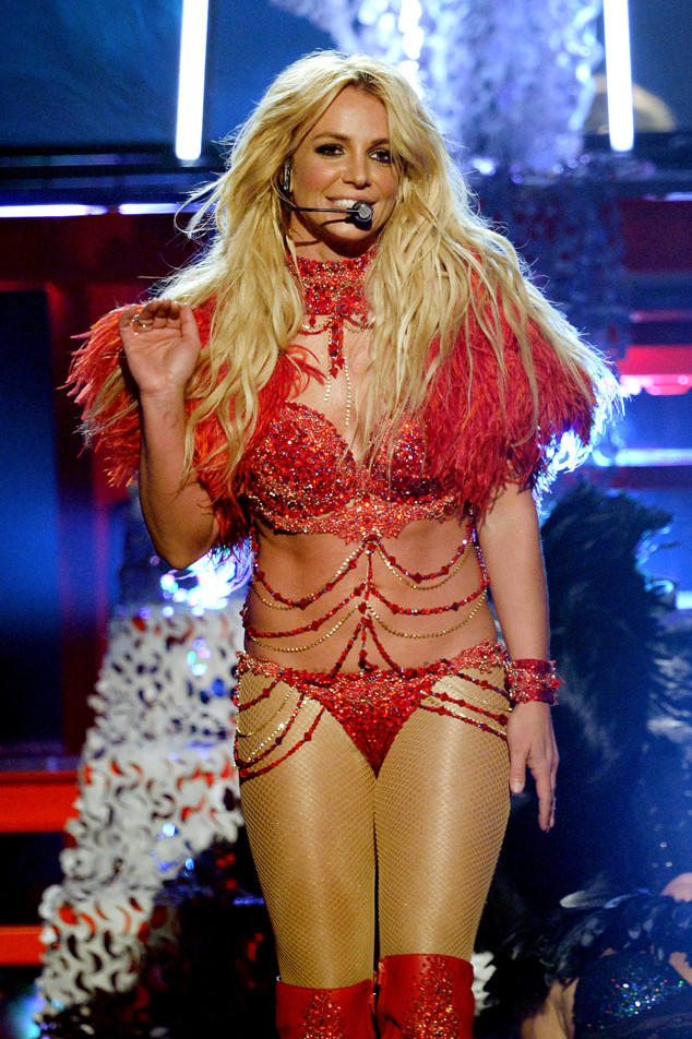 rs_634x952-160522172527-634--britney-spears-performance-2016-billboard-music-awards.jpg?fit=inside%7C900:auto&output-quality=90
