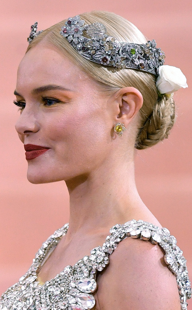 Kate Bosworth, MET Gala 2016, Arrivals, Accessories