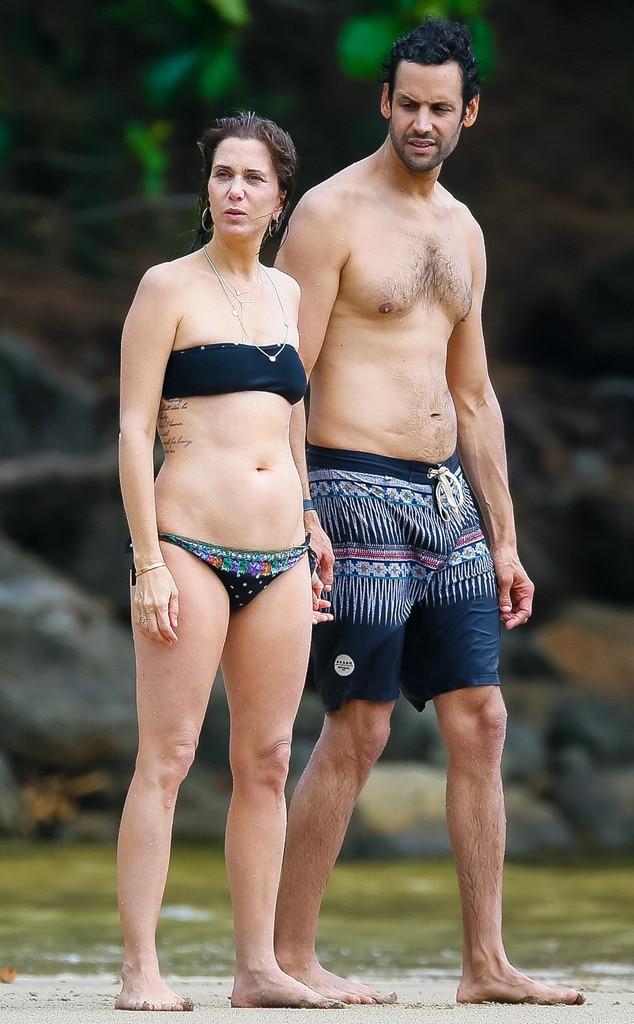 Kristen Wiig beach