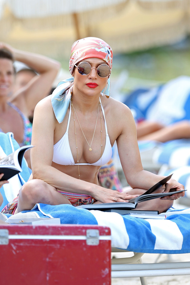 Llueven críticas a Jennifer Lopez por obligar a su hija