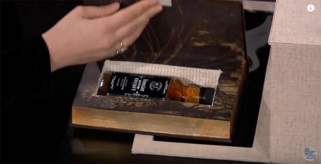 Lena Dunham, Jimmy Fallon, The Tonight Show, Box of Lies