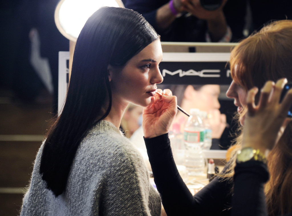 6 Beauty Products You'll See in Every Celeb Makeup Artist's Kit