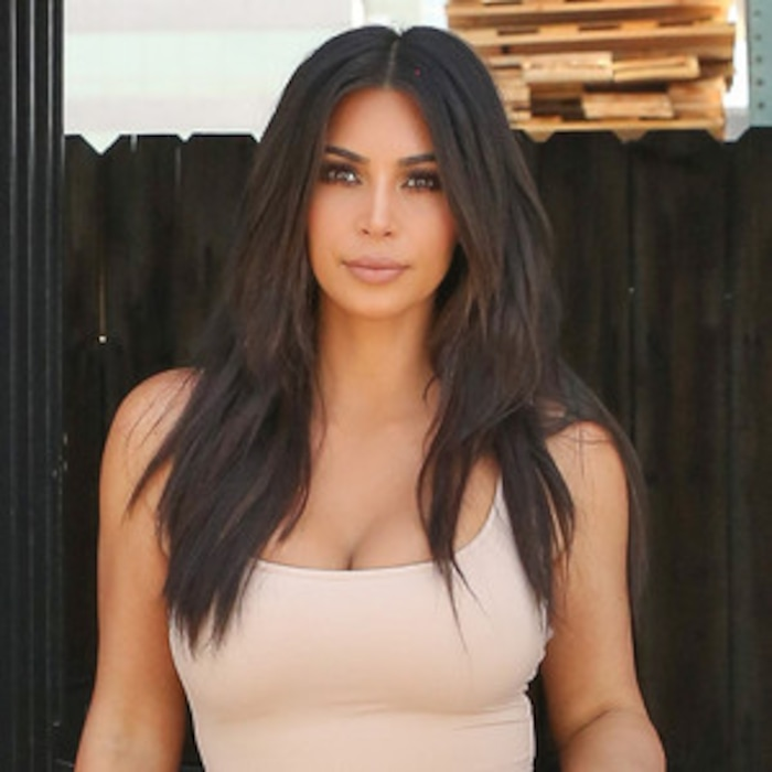 Did Kim Kardashian Chop Her Hair Again Reality Star Appears To Be