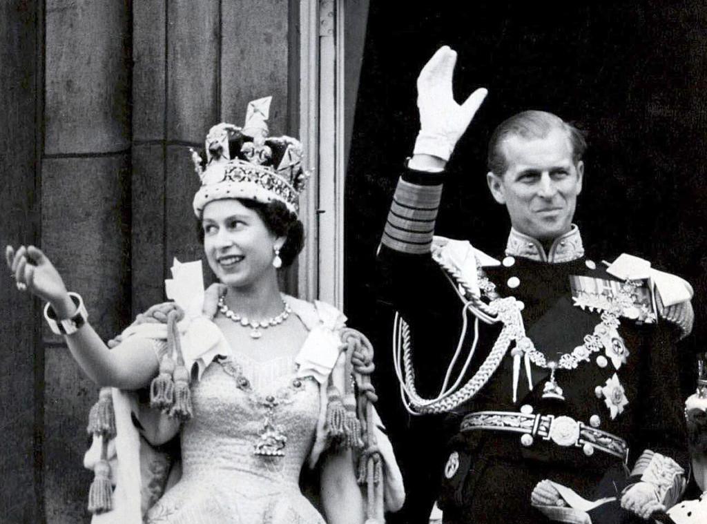 1953: Ставши королевою