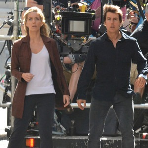 Tom Cruise, Annabelle Wallis