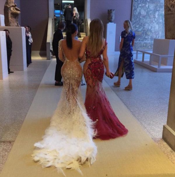 Kim Kardashian, Jennifer Lopez, Instagram