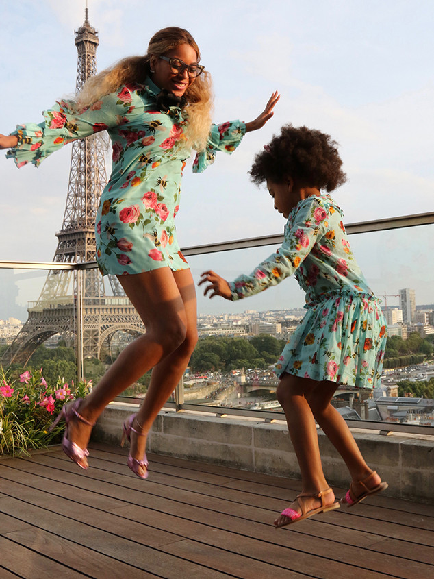 c8630402d Beyoncé and Blue Ivy Are Twinning in Paris and It's Très Cute   E! News