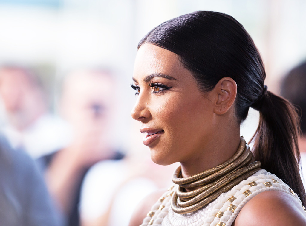 How Celebs Fake The Perfect Hairlineyes Even Kim Kardashian E News