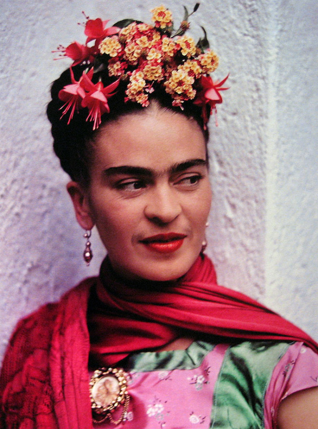 Conoce los detalles de la serie sobre Frida Kahlo! | E! News