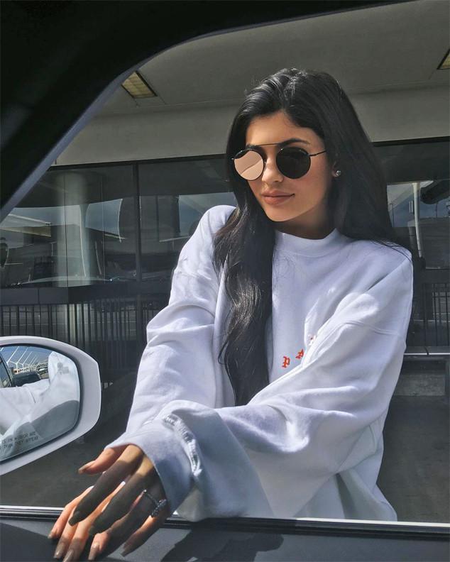 Kylie Jenner, Ring