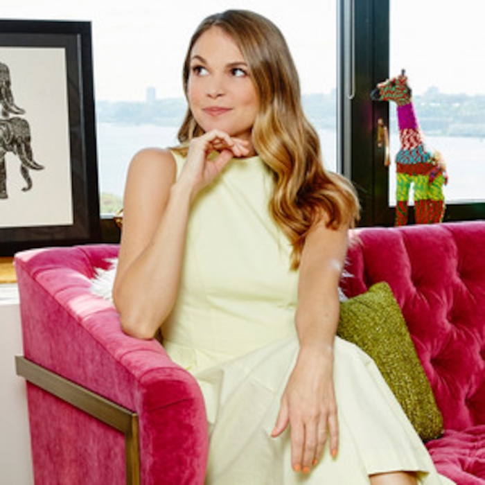 Take A Tour Through Sutton Fosters Trendy New York Apartment And