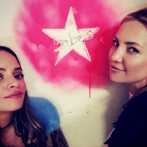 ESC: Kate Hudson, Sophie Lopez