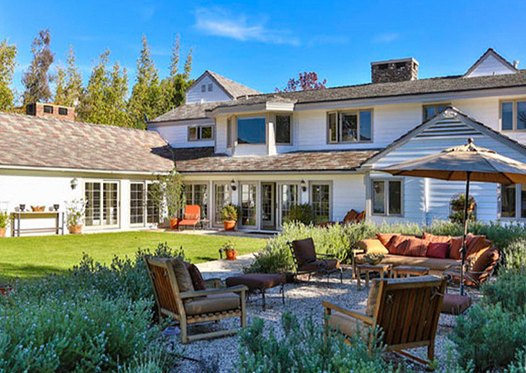 Take A Peek Inside The Two Homes Tom Hanks Is Selling For