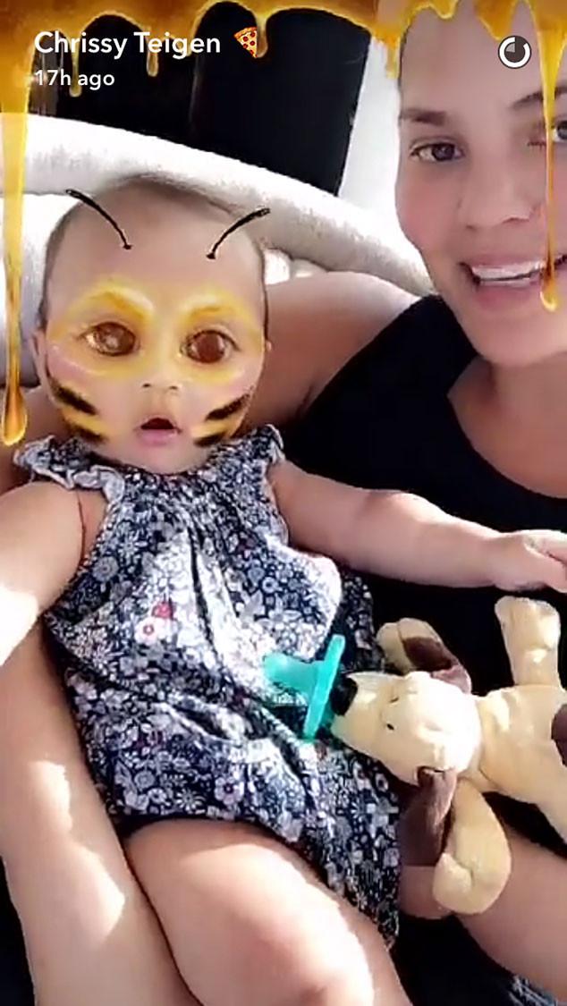Chrissy Teigen, Snapchat