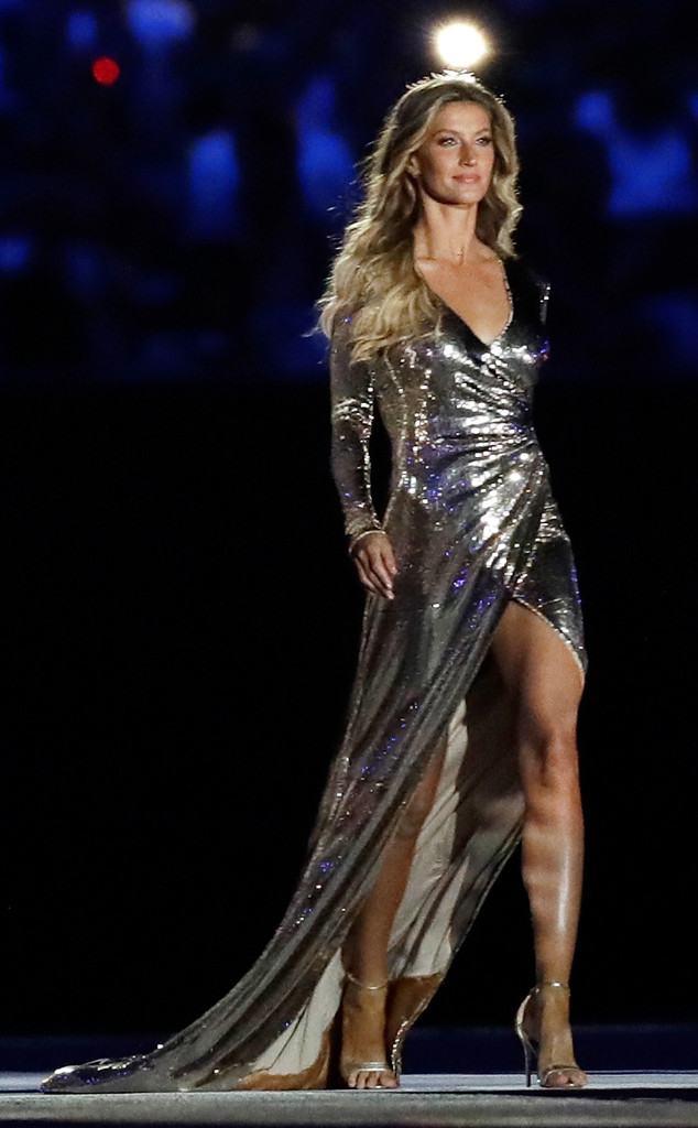 0ac6e2f1c315 How Gisele Bündchen Has Managed to Remain the Highest-Paid Model for ...