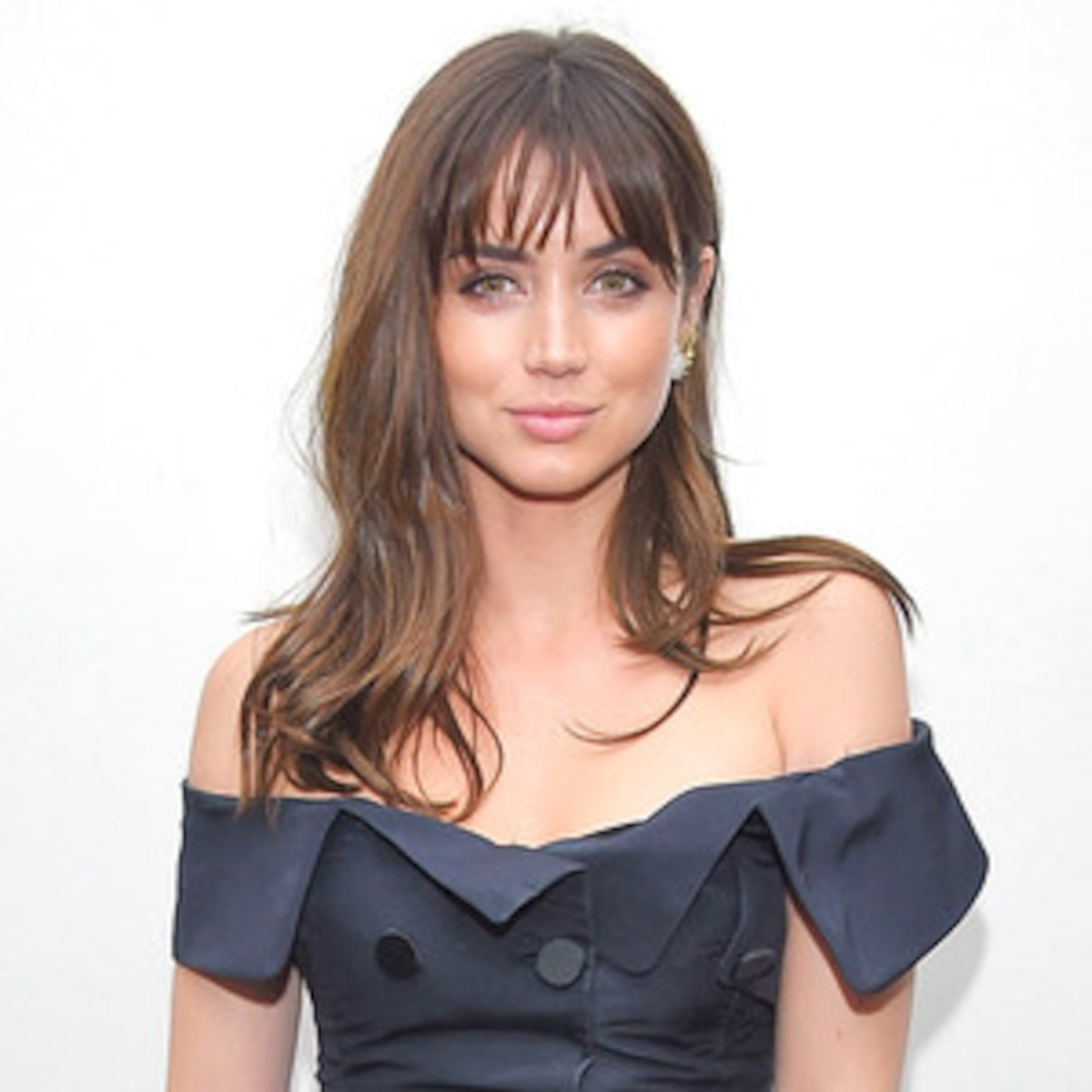 rs_300x300-160901162938-600-Ana-de-Armas-090116.jpg?fit=around|1200:1200&crop=1200:1200;center,top&output-quality=90