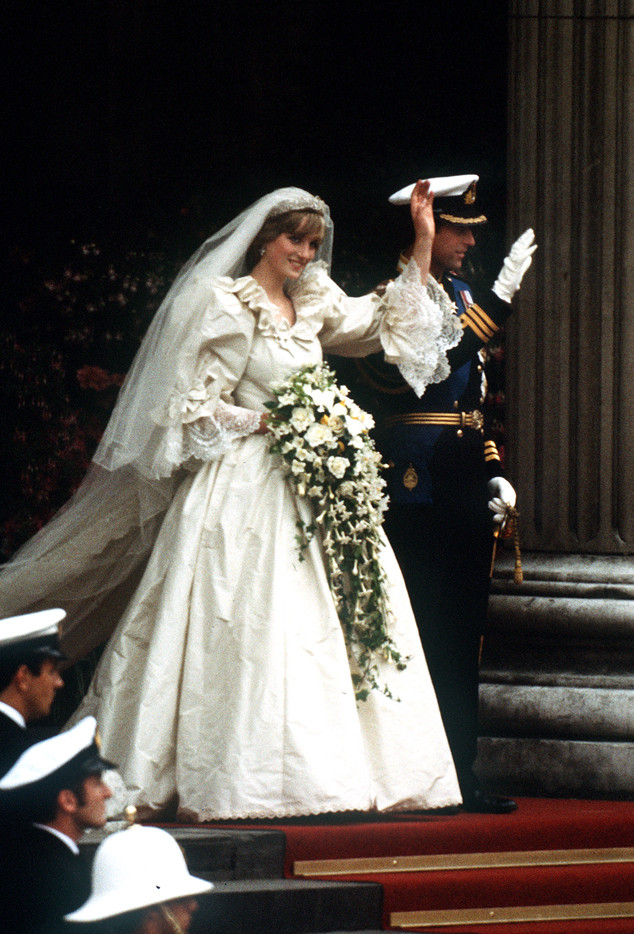 The Epic Story of Princess Diana\'s Wedding Dress: 3 Months, 25 Feet ...