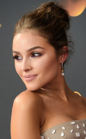 ESC: Olivia Culpo, 2016 Emmy Awards, Hair