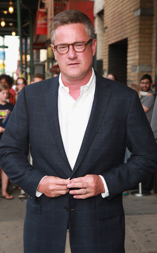 De 56-años 191 cm de altura Joe Scarborough en 2019 foto