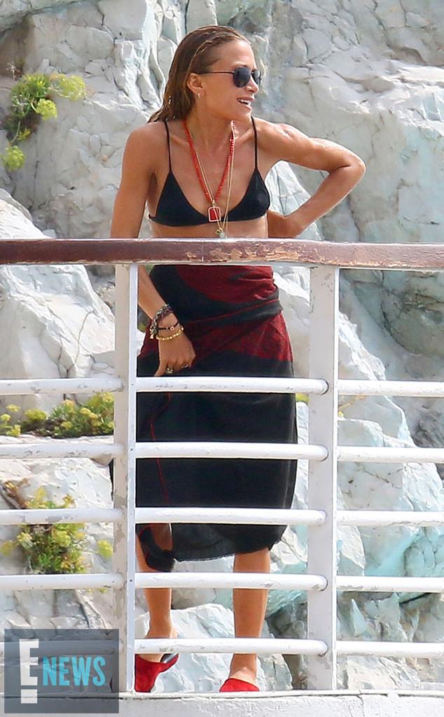 Mary-Kate Olsen, Ashley Olsen, Exclusive