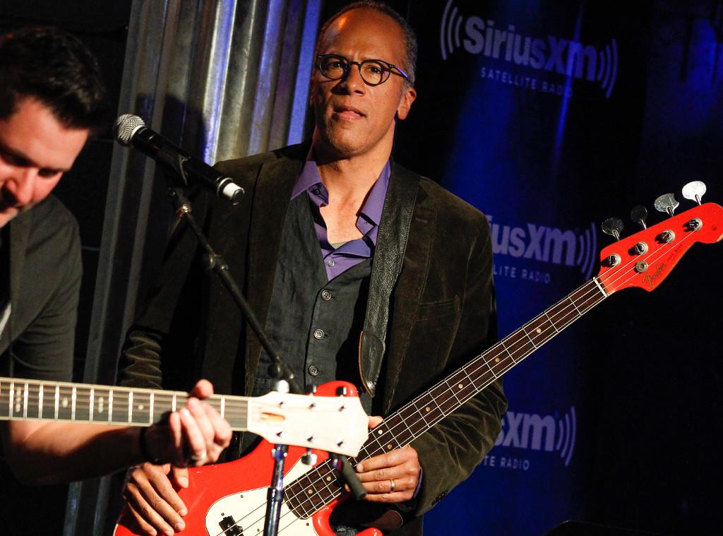 Lester Holt, Guitar