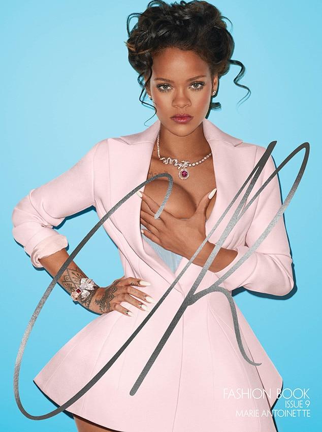 Rihanna sexy boobs