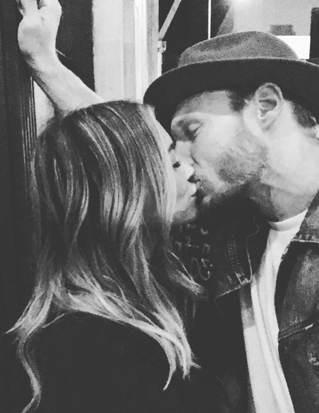 Hilary Duff, Jason Walsh, PDA