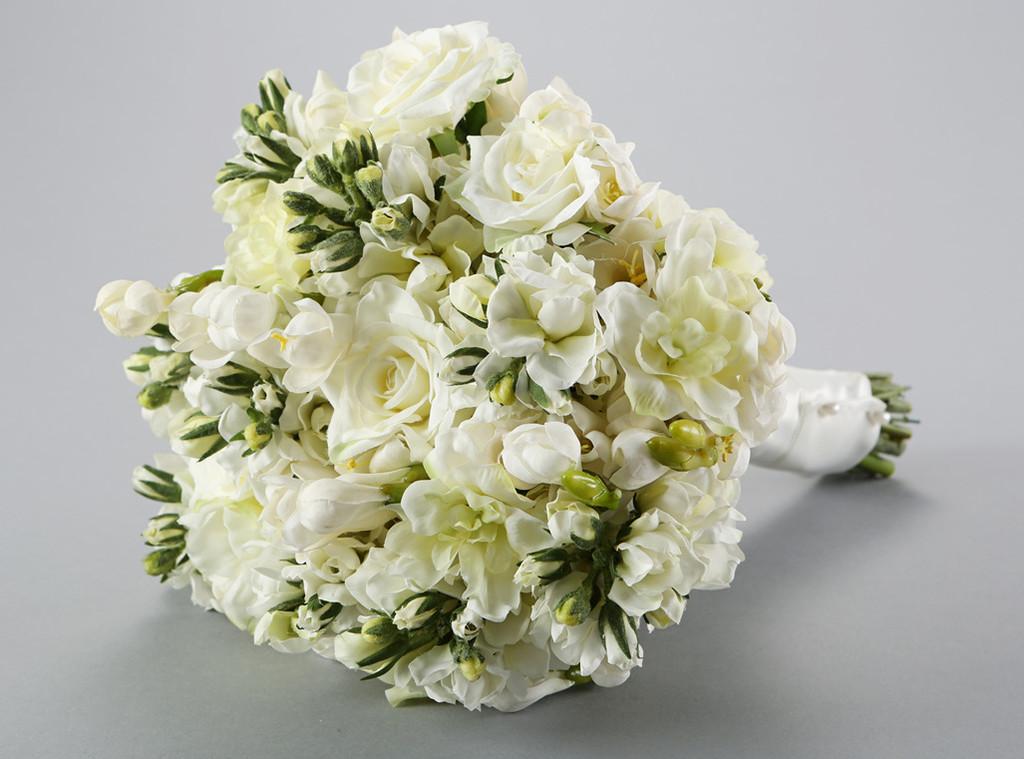 Twilight Movie Prop Items for Auction, Bella Swan's wedding bouquet