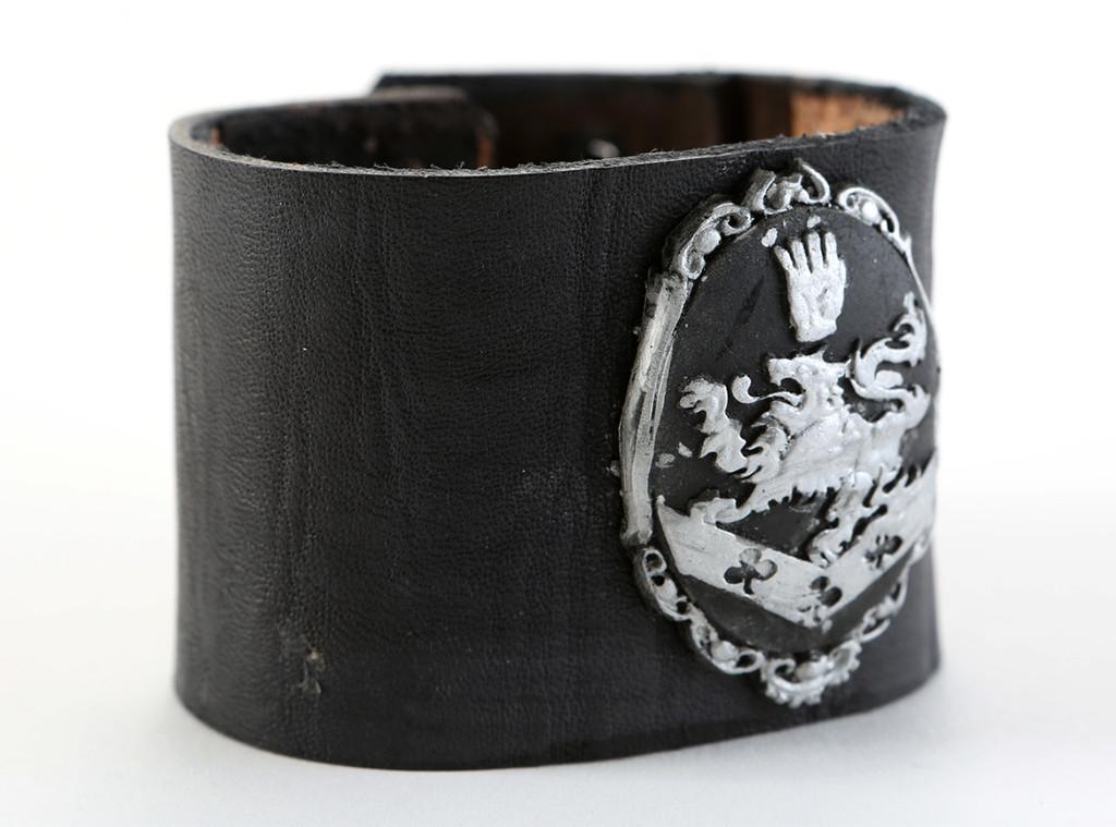 Twilight Movie Prop Items for Auction, Edward Cullen's stunt crest cuff